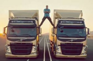 海外おもしろ映像 Volvo Trucks – The Epic Split feat. Van Damme