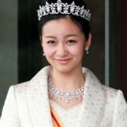 秋篠宮佳子さま ティアラ姿 画像 かわいい 美しい 誕生日 映像 動画2