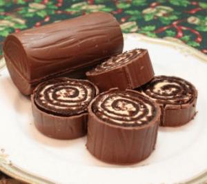 ブッシュドノエルの由来となったパリのお菓子屋が作ったユール・ログのケーキ